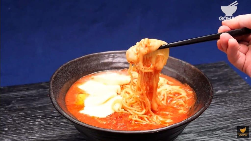 トマトチーズラーメン