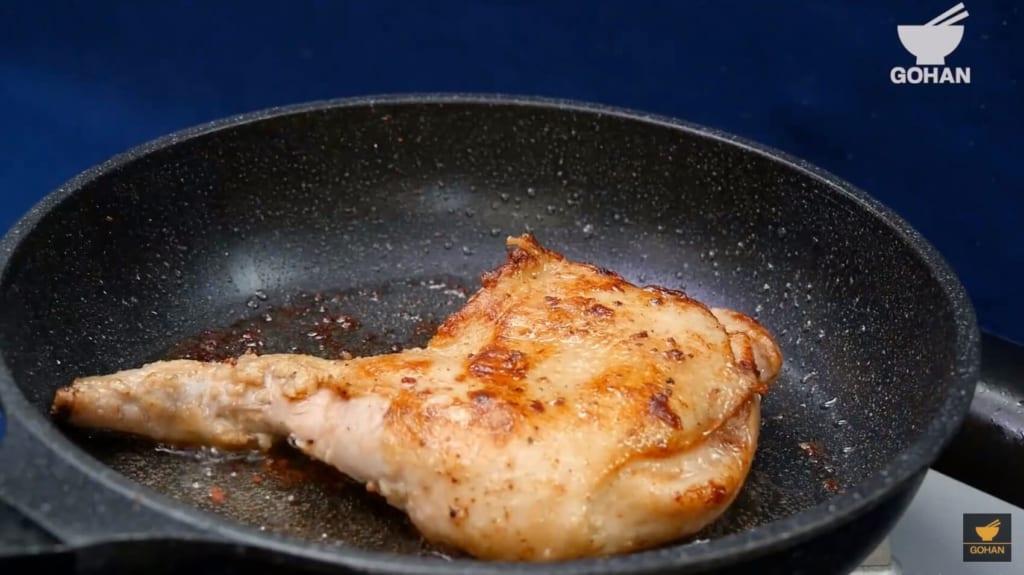 焼いた鶏肉