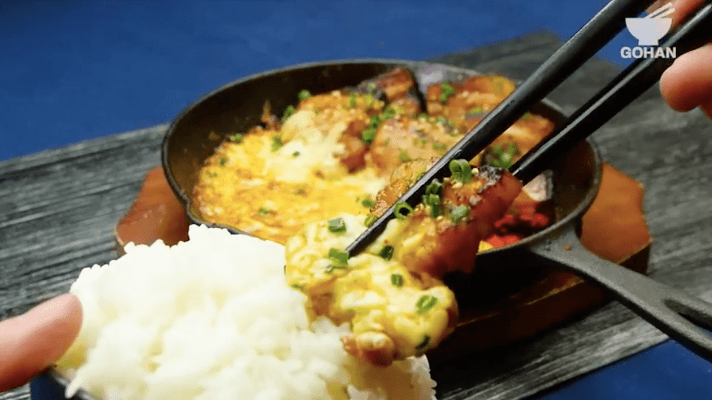 肉とチーズとご飯