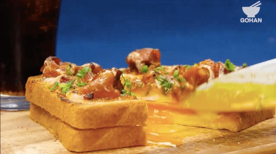 半熟卵とトースト