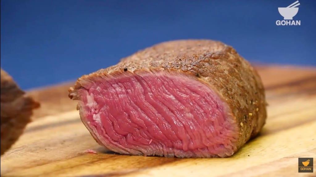 カットした肉の断面