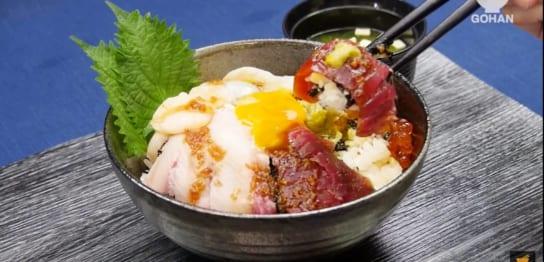 にんにく海鮮丼