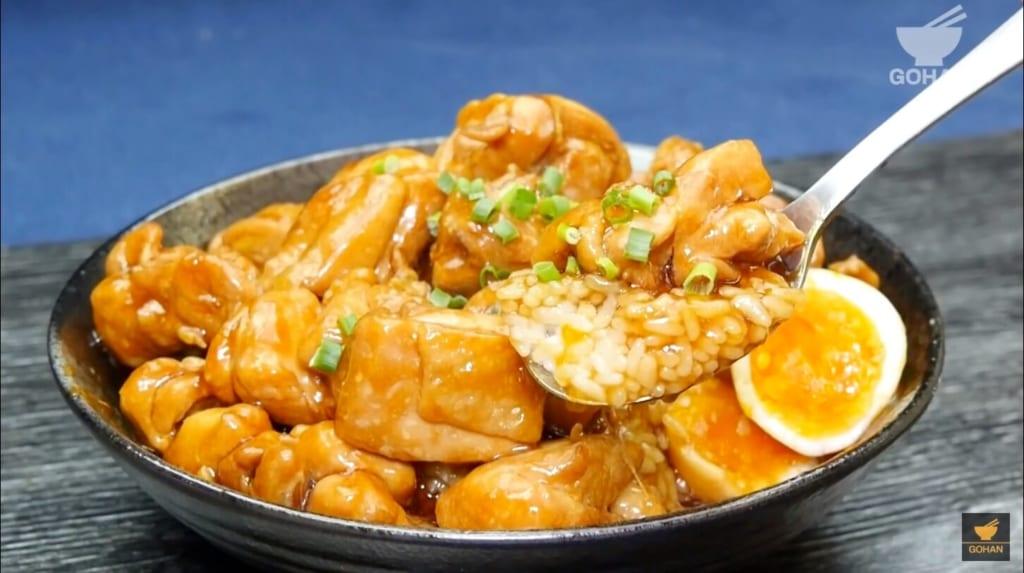 鶏肉と卵の丼レシピ