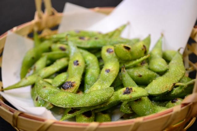 焼き色が付いた枝豆