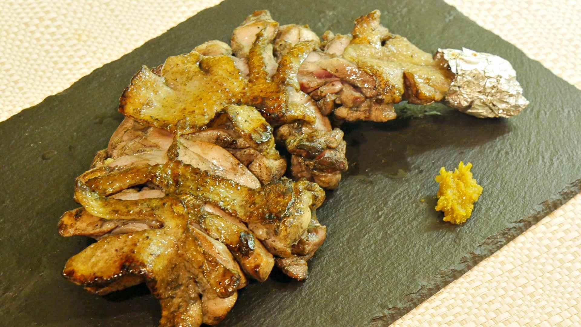 宮崎 妻地鶏ファームの骨付き肉