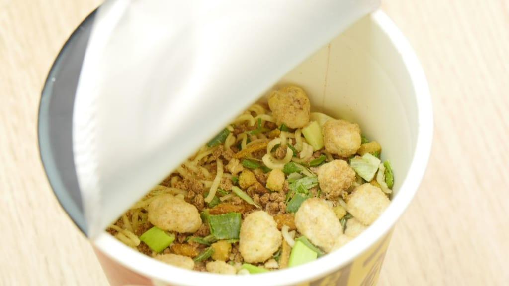 カップ麺の乾麺
