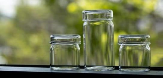 空の保存瓶