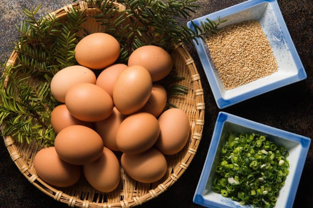 ねぎとごま、大量の卵